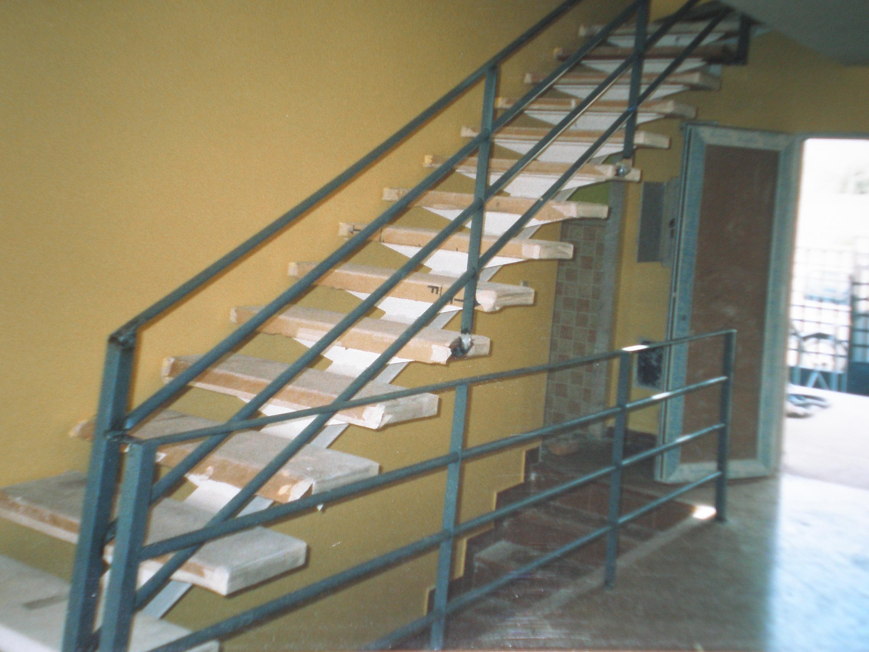 Escaleras metalicas escaleras metlicas galicia servicios for Gradas metalicas para casas