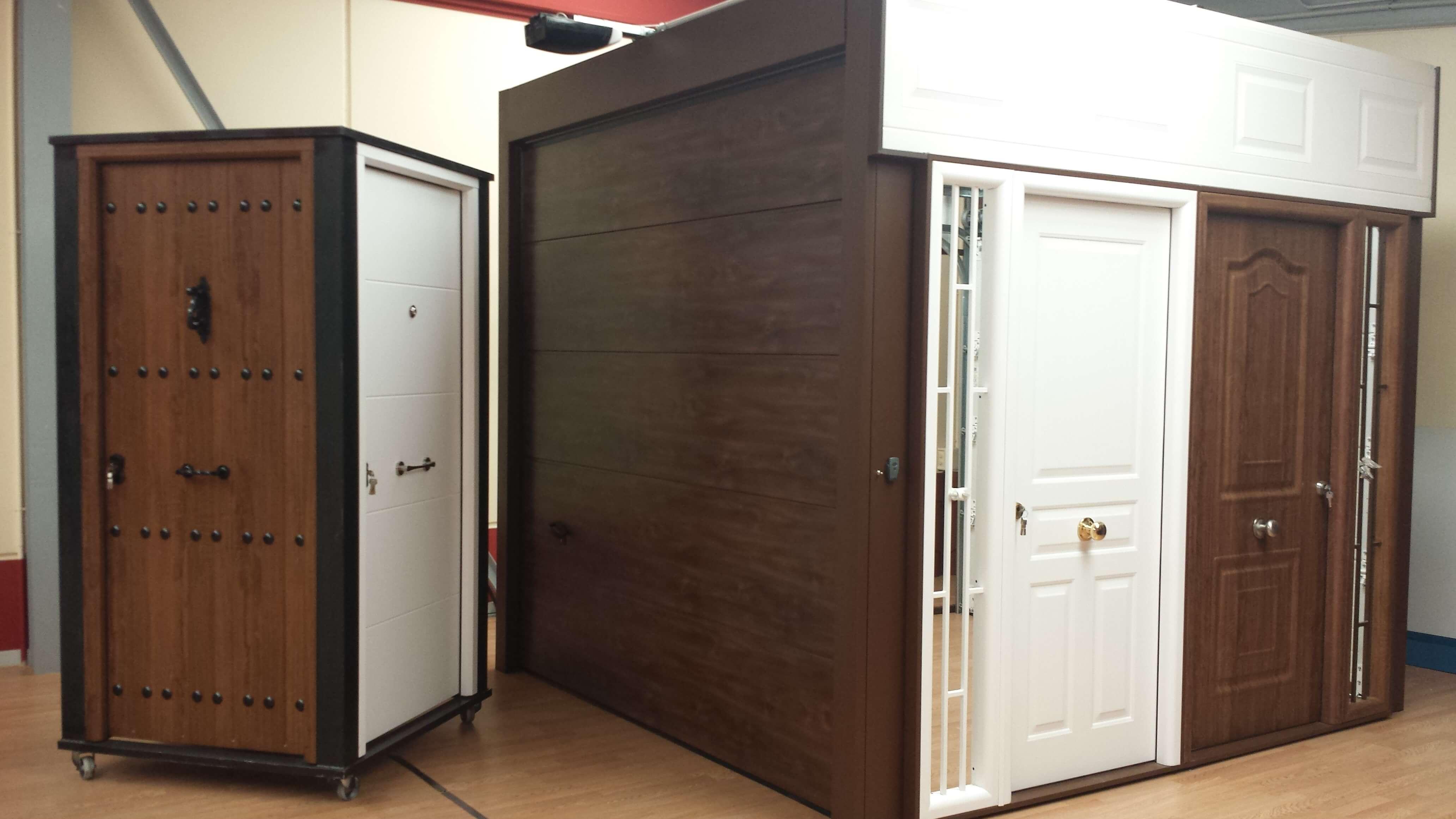 exposicion-puertas-de-entrada-a-vivienda