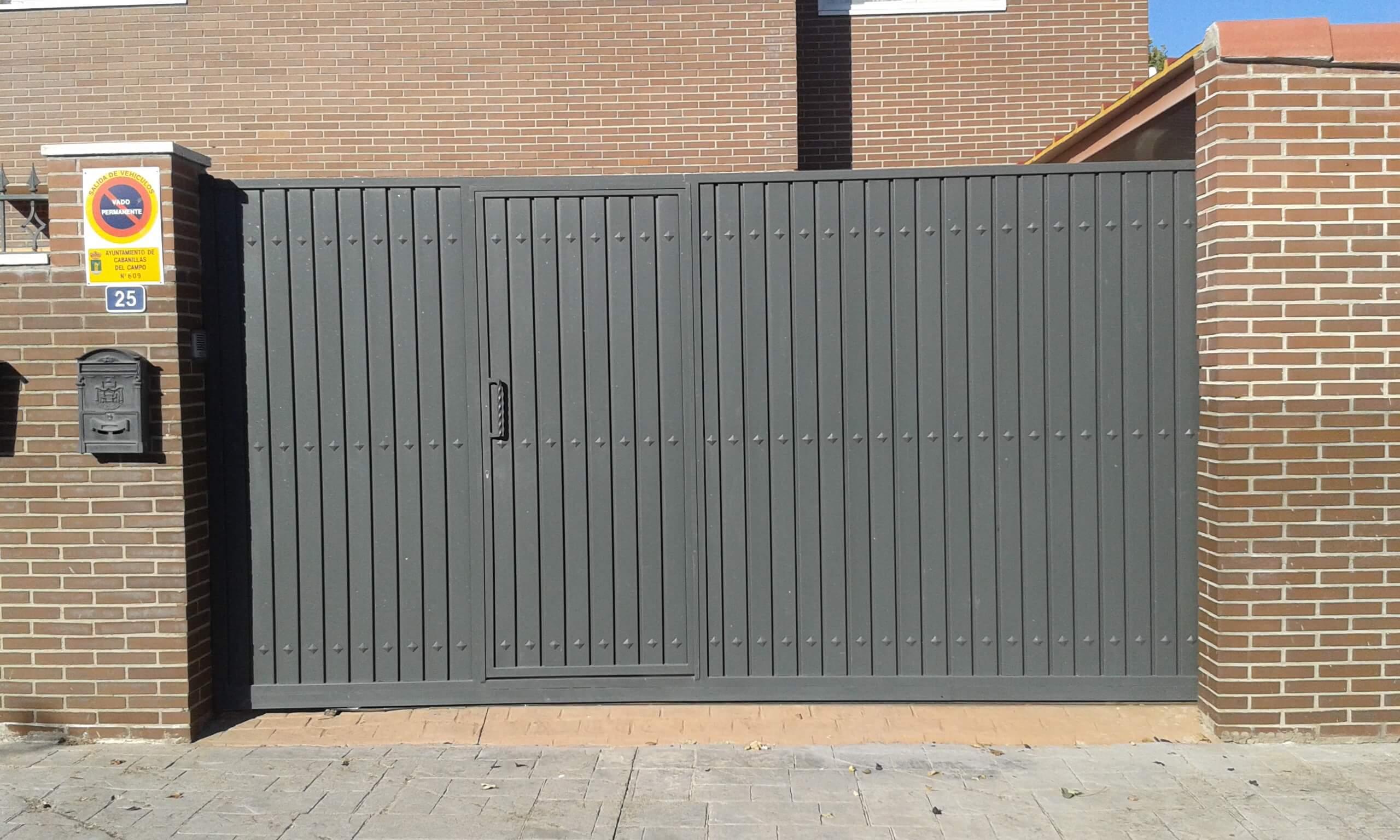 Puertas Abatibles Y Correderas En Guadalajara Hidrometal - Puerta-corredera-metalica