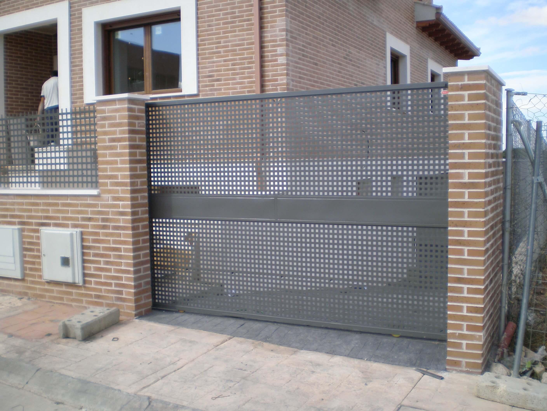 puertas-correderas-y-abatibles-en-guadalajara